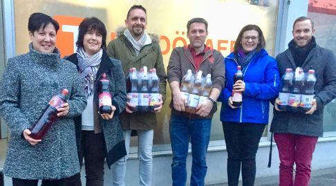 """Welser FPÖ-Vorfelder spenden 520 Liter Sirup an die """"OÖ. Tafel"""" für Bedürftige"""